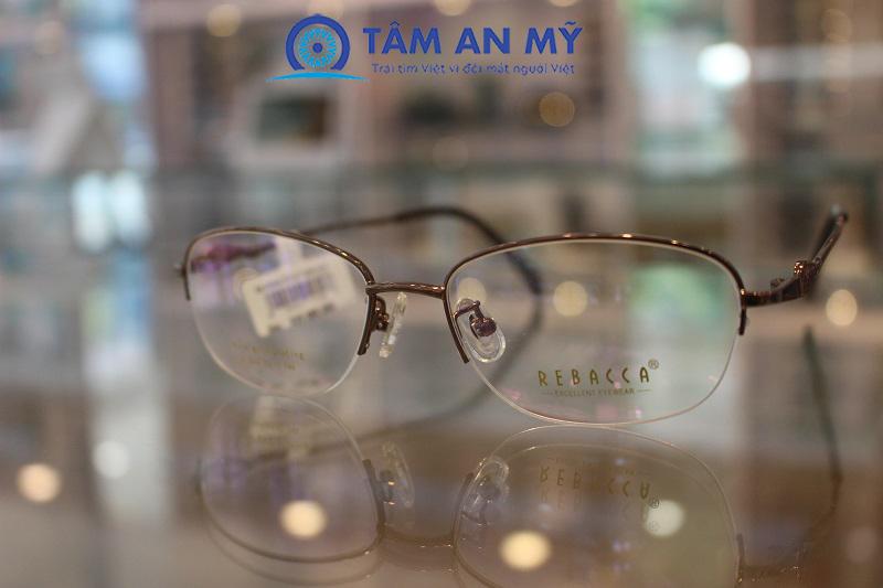 mẫu gọng kính đẹp cho nữ - Xu hướng 2020