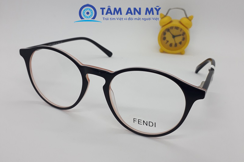 10+ mẫu gọng kính đẹp cho nữ